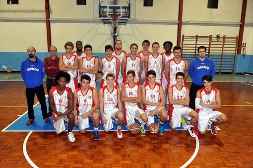 Il gruppo, al gran completo, di Under 19 e prima squadra della Tigullio Basket di Santa Margherita