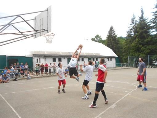 Una momento del torneo di basket